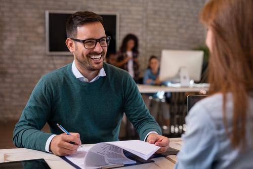 Gesprek Met Personeel legt het beoordelingsgesprek vast in het verslag beoordelingsgesprek